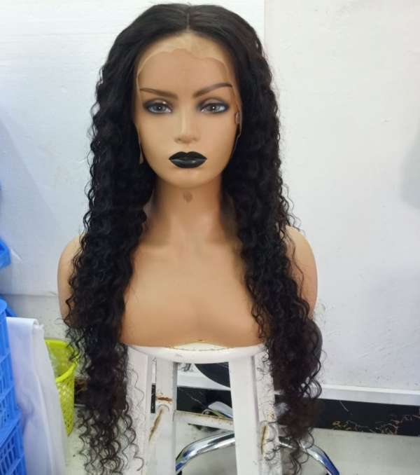 curly human hair wig model